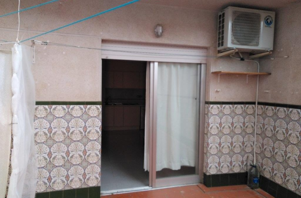 Cheap studio apartment just 500m from Torrevieja beaches