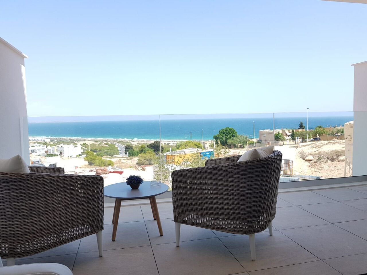Brand new two bedroom, two bathroom apartments with fabulous sea views for sale in Gran Alacant