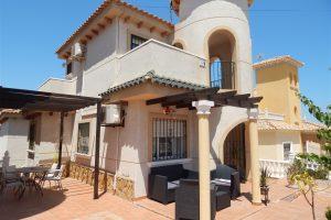 Beautiful three bedroom, two bathroom detached villa in El Galan