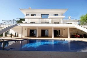 Magnificent newly constructed four bedroom luxury villa for sale in Villamartin