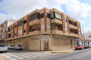 Spacious three bedroom apartment for sale in Los Montesinos
