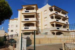 Two bedroom South-facing apartment in sought-after La Zenia community
