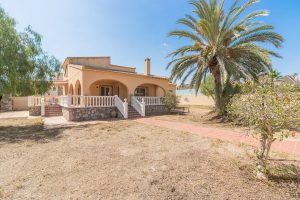 Six bedroom detached villa for sale just 150m walk from sandy La Zenia beach