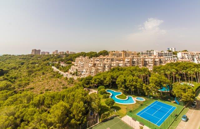 Beautiful South-facing two bedroom apartment for sale in Altos de Campoamor