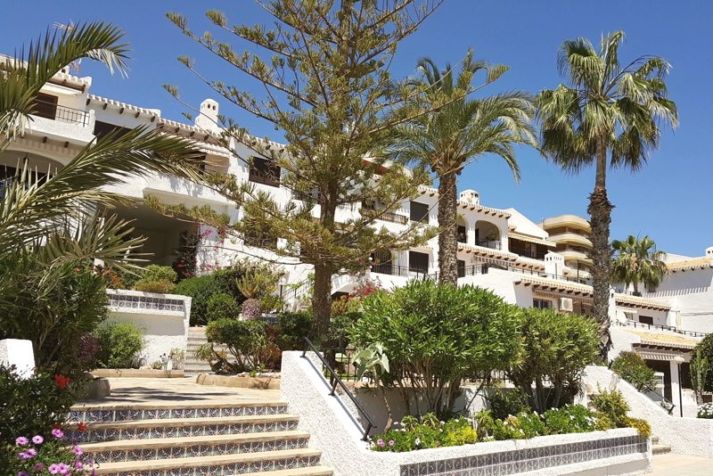Two bedroom apartment for sale just 500m from Calas de Capitan beach in Cabo Roig
