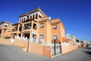 """Three bedroom, two bathroom South-facing top floor duplex apartment in """"Parque del Duque"""" in Playa Flamenca"""