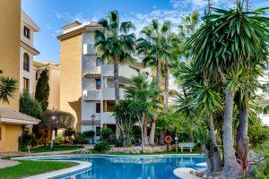 Two bedroom ground floor apartment in prestigious Panorama Park community in Punta Prima