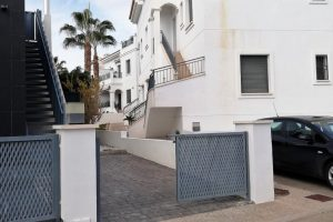 Two bedroom, two bathroom semi-new townhouse for sale in Villamartin