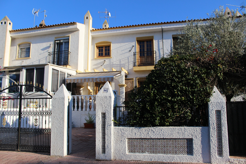 Two bedroom, one bathroom, one toilet mid-terrace townhouse for sale in Punta Prima area