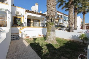 Three bedroom, two bathroom townhouse for sale in popular Villamartin community