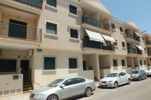 Two bedroom, one bathroom apartment with 65m2 living area for sale in Los Alcazares