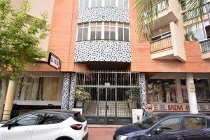 Cheap studio apartment just 350m from sandy award-winning Torrevieja beaches