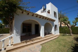 Four bedroom, two bathroom detached villa for sale in Cabo Roig