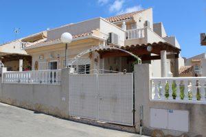 Nice detached two bedroom, two bathroom villa for sale with community pool in Ciudad Quesada